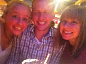 Sibling weekend! First Red Robin and then World War Z 3D!